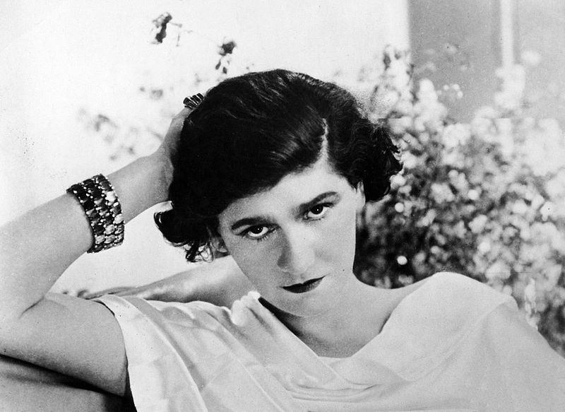 Bien-aimé Coco Chanel: A Woman Before Her Time EQ13