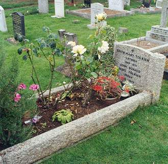J. R. R. Tolkien Quotes Grave Photo By Stefan Servos