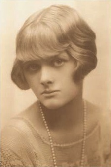 Young Daphne du Maurier (The Chichester Partnership)