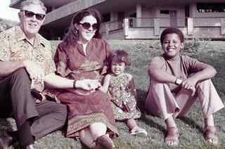 Ann Dunham Her Father, Barack Obama And Daughter