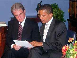 Tom Coburn And Barack Obama Discussing The Federal Funding Accountability And Transparency Act