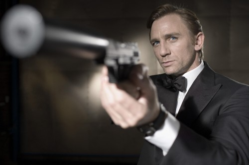 Casino Royale Film Review James Bond 007 (Daniel Craig)