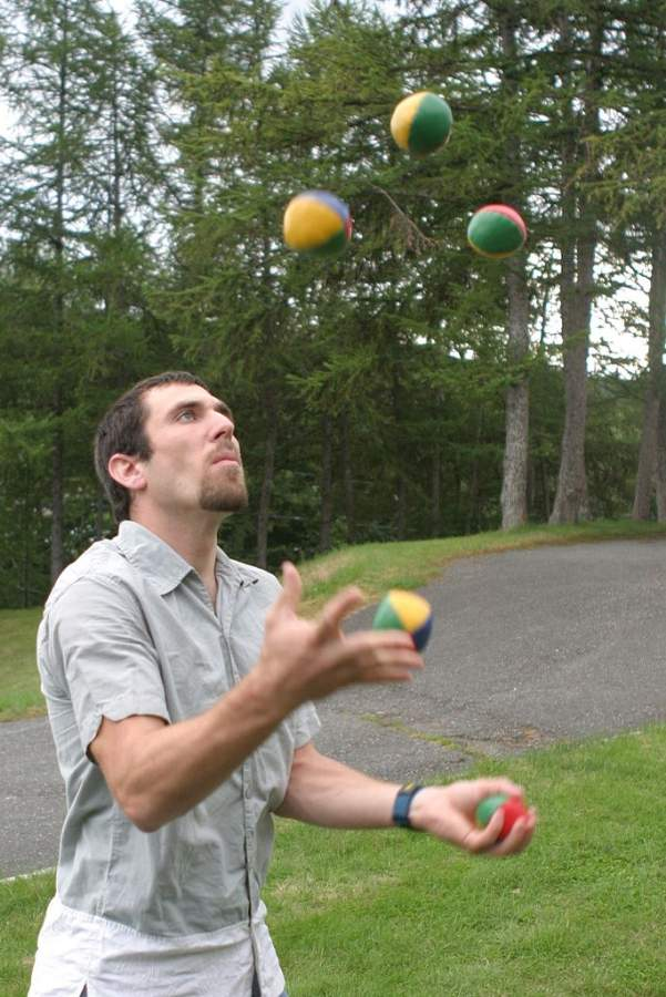 Greatest Jugglers Man Juggling Five Balls Photo By James Heilman Creative Commons ShareAlike Licence