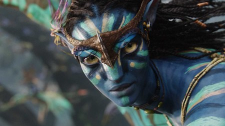Avatar Film Review Neytiri (Zoe Saldana) Flying