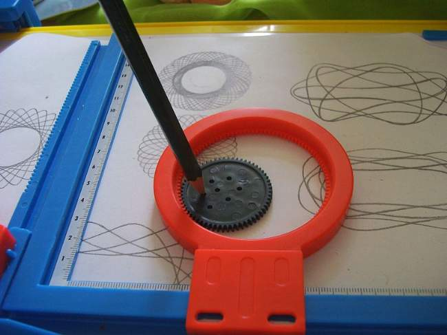 1960's Toys Spirograph Photo By Kungfuman Creative Commons ShareAlike Licence