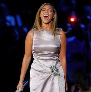 Beyonce Knowles Singing Picture Image
