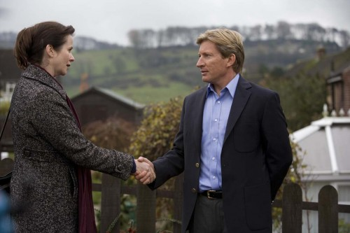Margaret Humphreys (Emily Watson) And Len (David Wenham) In Oranges And Sunshine