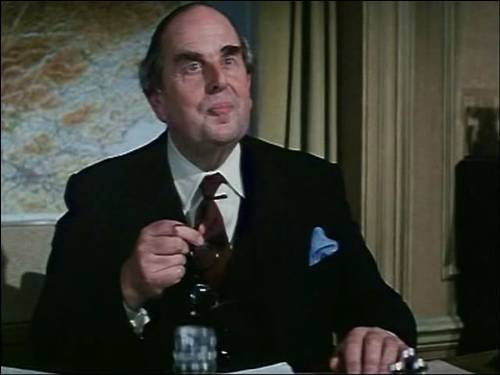 Uncle Arthur (Robert Morley) In When Eight Bells Toll
