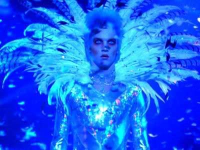 Velvet Goldmine Film Review Brian Slade (Jonathan Reece Meyers)