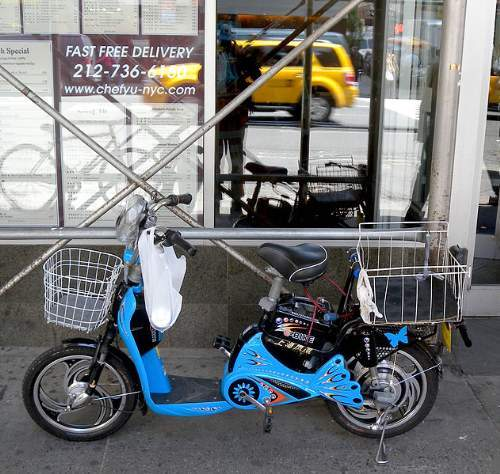 Electric Bicycles: Electric Bike Moped Style New York Delivery Bike