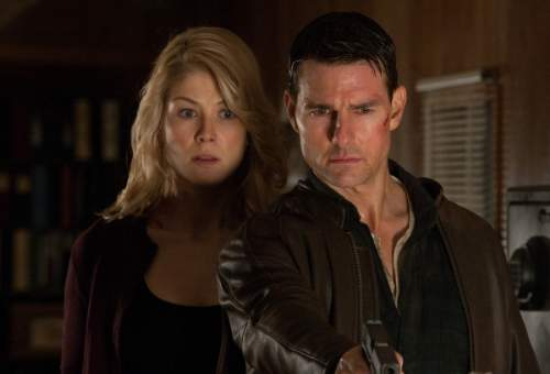 Jack Reacher Film Review Helen (Rosamund Pike) And Jack Reacher (Tom Cruise)
